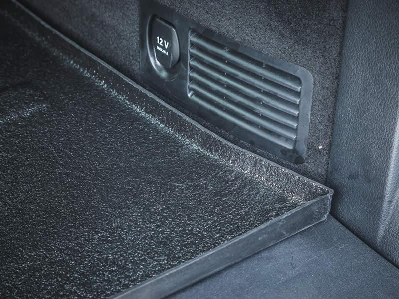 Optioneel uitneembare rubberen mat